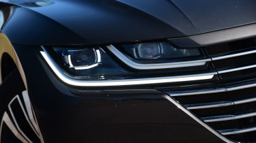 Volkswagen Arteon 1.5 petrol TSI headlight