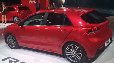New Kia Rio revealed in Paris 2016