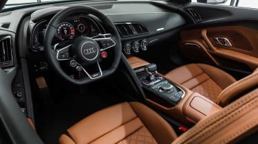 Audi R8 Spyder - studio dash