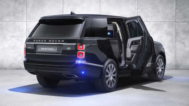 Range Rover Sentinel rear lighting