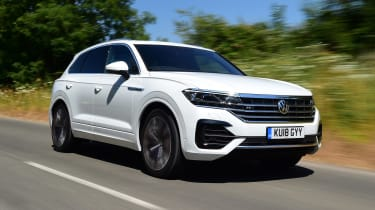 Volkswagen Touareg - front tracking