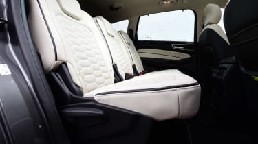 Ford S-MAX Vignale - rear seats