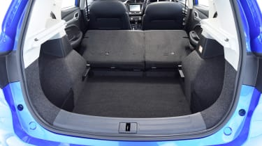 MG ZS - boot seats down