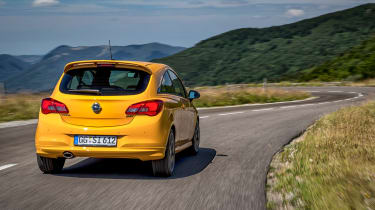 Vauxhall Corsa GSi - rear panning