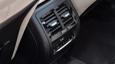 BMW X3 M40i - rear controls