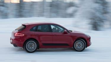 Porsche Macan Performance Package - side cornering