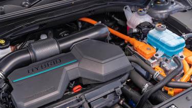 Hyundai Santa Fe Hybrid - engine