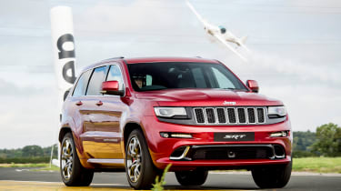 Jeep Grand Cherokee SRT8 vs plane - front tracking 2