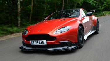 Aston Martin Vantage GT8 - front driving