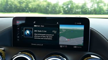 Mercedes-AMG GT Roadster - infotainment