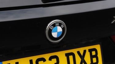 BMW X5 M50d badge