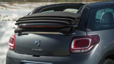 Citroen DS3 Cabrio roof mechanism