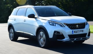 Peugeot 5008 - teaser
