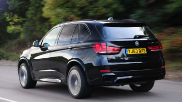 BMW X5 M50d Rear action