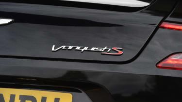Aston Martin Vanquish S Volante - boot badge