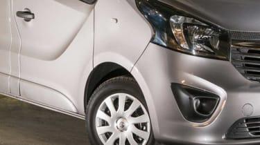 Vauxhall Vivaro 2014 front detail