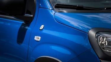Fiat Panda Waze badge