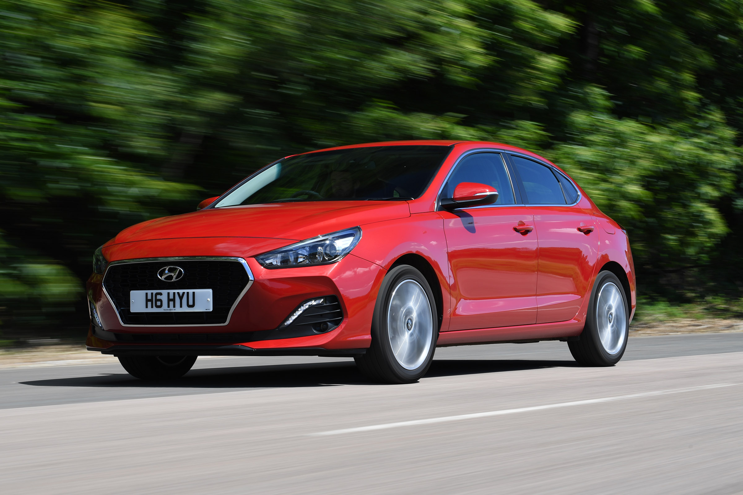 Hyundai I30 Fastback Review Mpg Co2 And Running Costs Auto