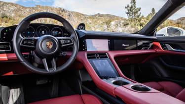 Porsche Taycan 4S - dash