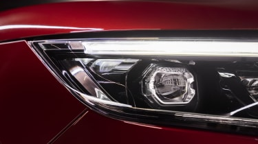 Nissan Qashqai -headlight