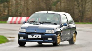 Clio Williams - front cornering