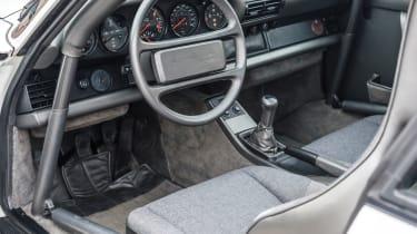 RM Sotheby's 2017 Paris auction - 1988 Porsche 959 Sport interior