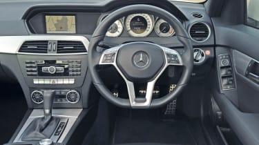 Mercedes C220 CDI Sport dash