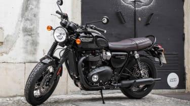 Triumph Bonneville T120 review - black parked