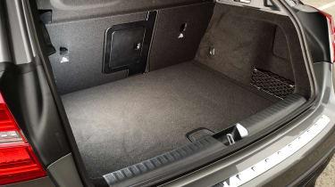Mercedes GLA 2016 - boot
