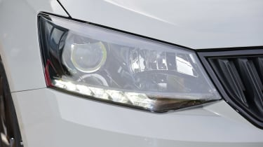 Skoda Fabia - front light detail