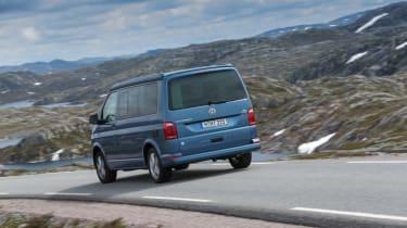 Volkswagen California T6 rear tracking