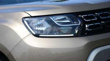Dacia Duster - front light