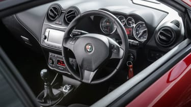Alfa Romeo MiTo Twinair Sportiva 2014 interior