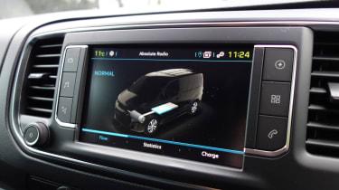 Peugeot e-Expert - infotainment screen