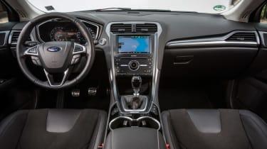 Ford Mondeo 2014 interior