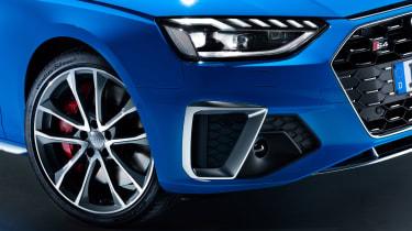 Audi S4 - front light