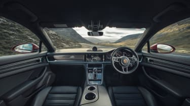 Porsche Panamera Turbo 2017 UK - interior