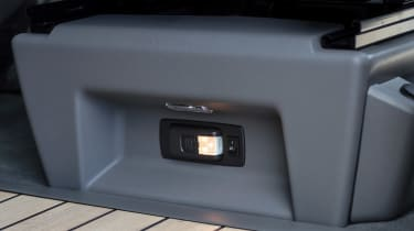 Volkswagen California T6.1 - light