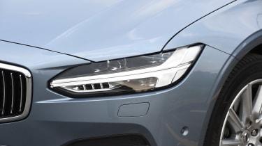 Volvo S90 - UK front light detail