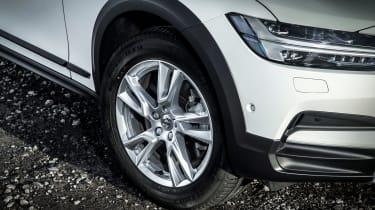 Volvo V90 Cross Country 2017 UK - wheel