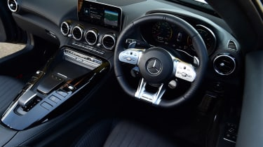 Mercedes-AMG GT Roadster - dash