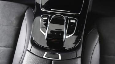 Mercedes E 350e - centre console
