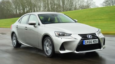 Lexus IS 300h - Front Action