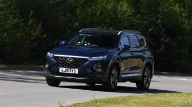 Hyundai Santa Fe cornering LT