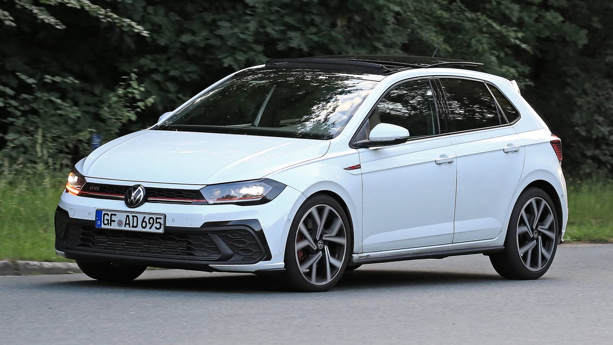 Volkswagen%20Polo%202022%20facelift%20spy%20shots%20Automedia 2