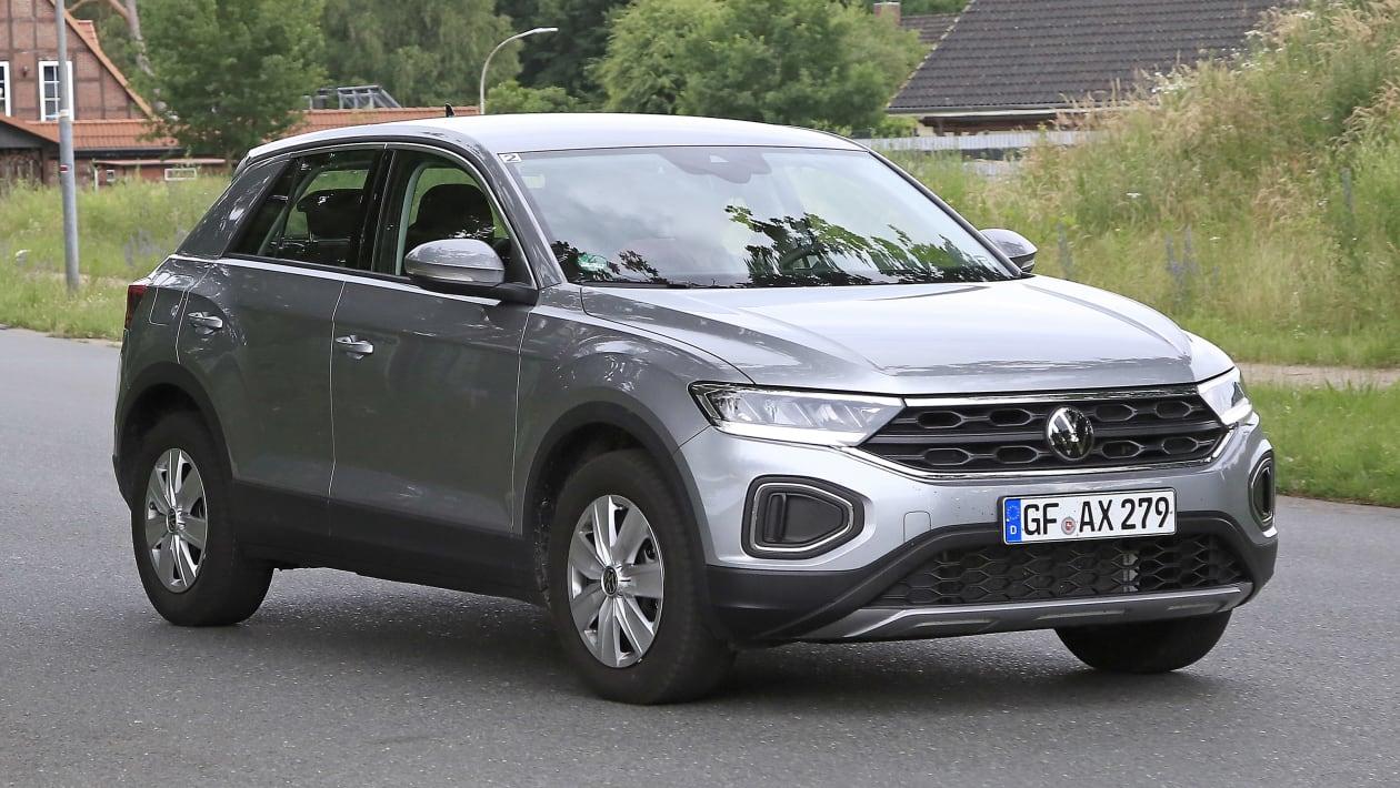 Volkswagen%20T Roc%20facelift%20spyshots 3