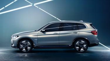 BMW iX3 - side