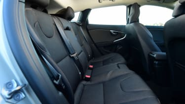 Volvo V40 Cross Country - rear seats