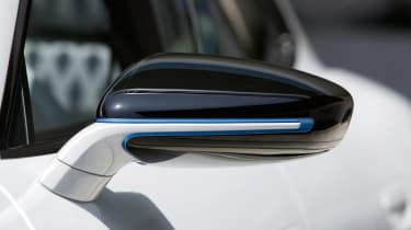 Porsche Mission E Cross Turimso - wing mirror