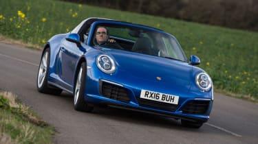 Porsche 911 Targa 2016 UK - front cornering